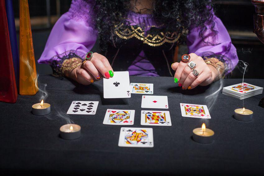 Pamela e le sue arti divinatorie