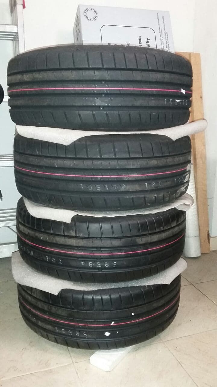 4 Gomme Nuove