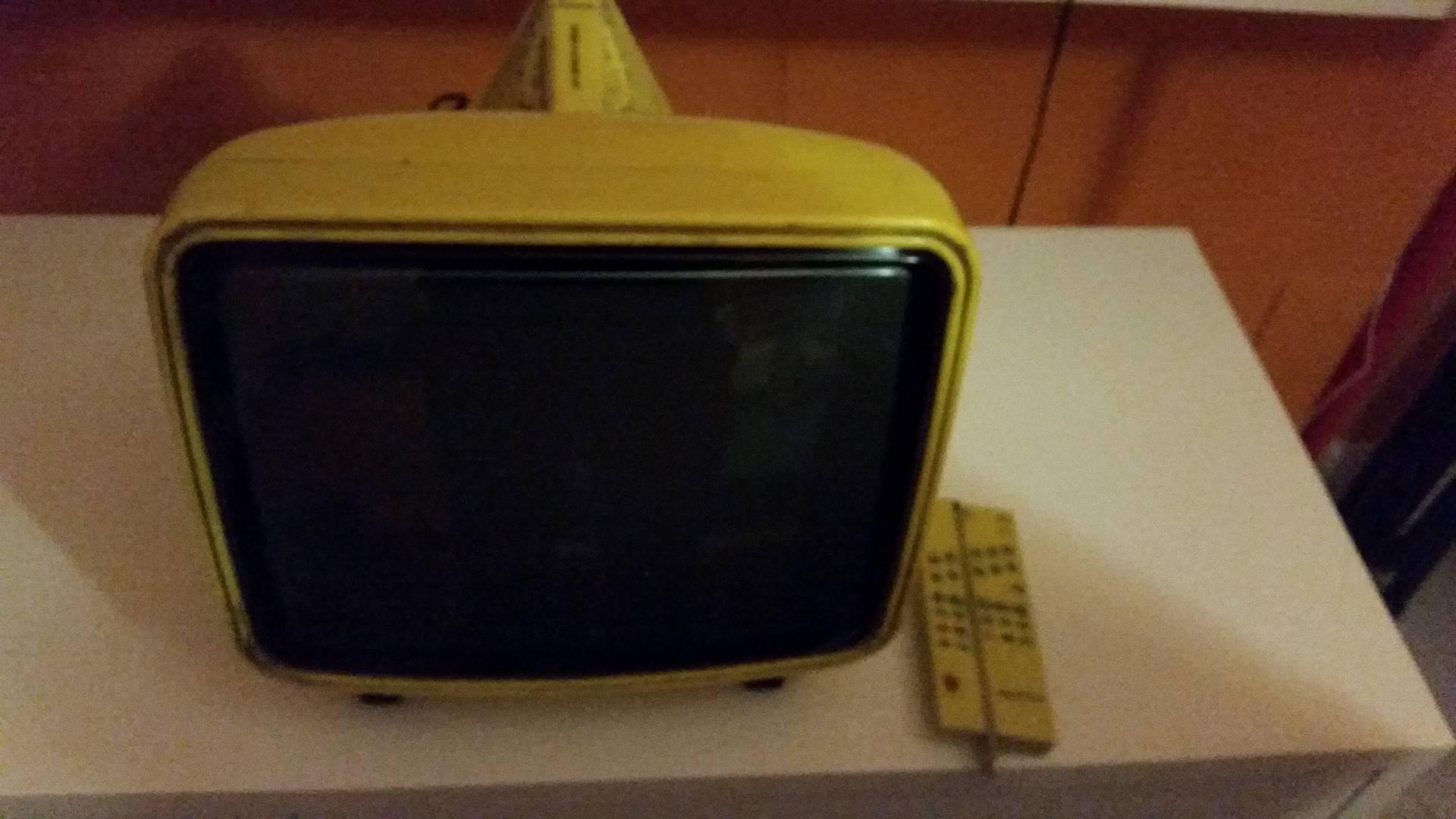 TV Vintage BEST 15' Brion